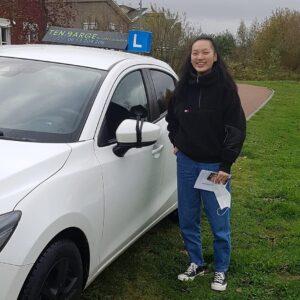 Erna is geslaagd rijbewijs